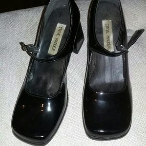 STEVE MADDEN BLACK PATENT LEATHER MARY JANE